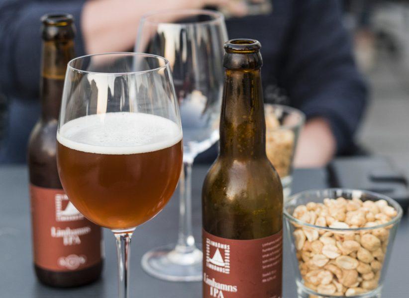 Henrik Holmberg /TT  Göteborgskrogarna hade inte bara öl till salu.