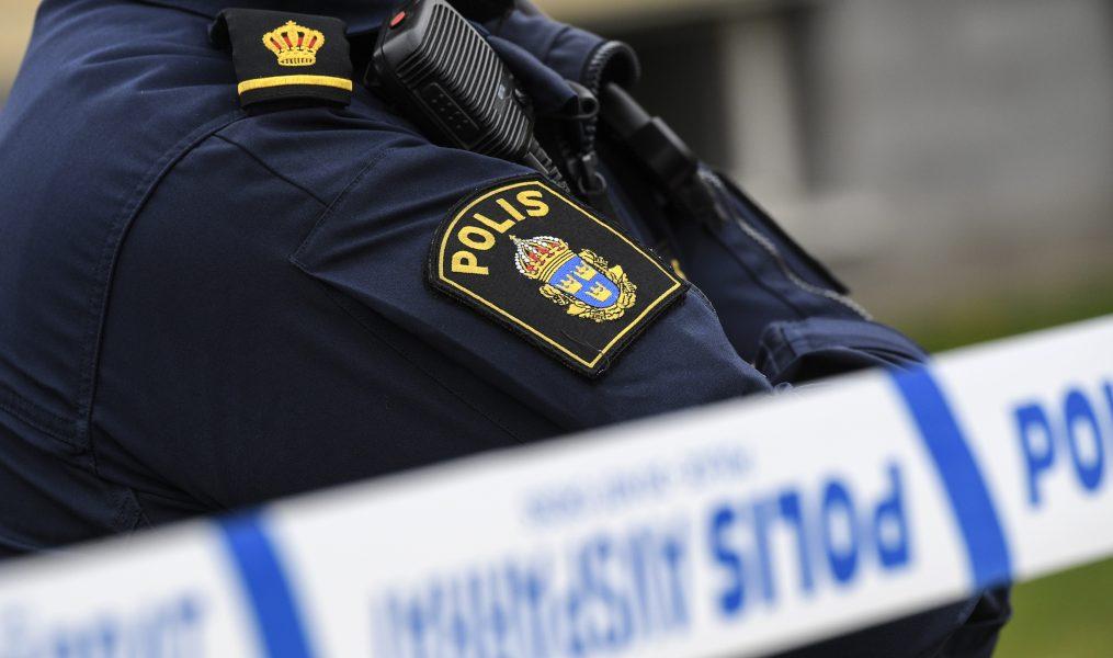 Johan Nilsson/TT   En familj i Göteborg får skadestånd sedan polisen stormat deras lägenhet, trots att en man som bodde i lägenheten bara skulle hämtas till förhör.