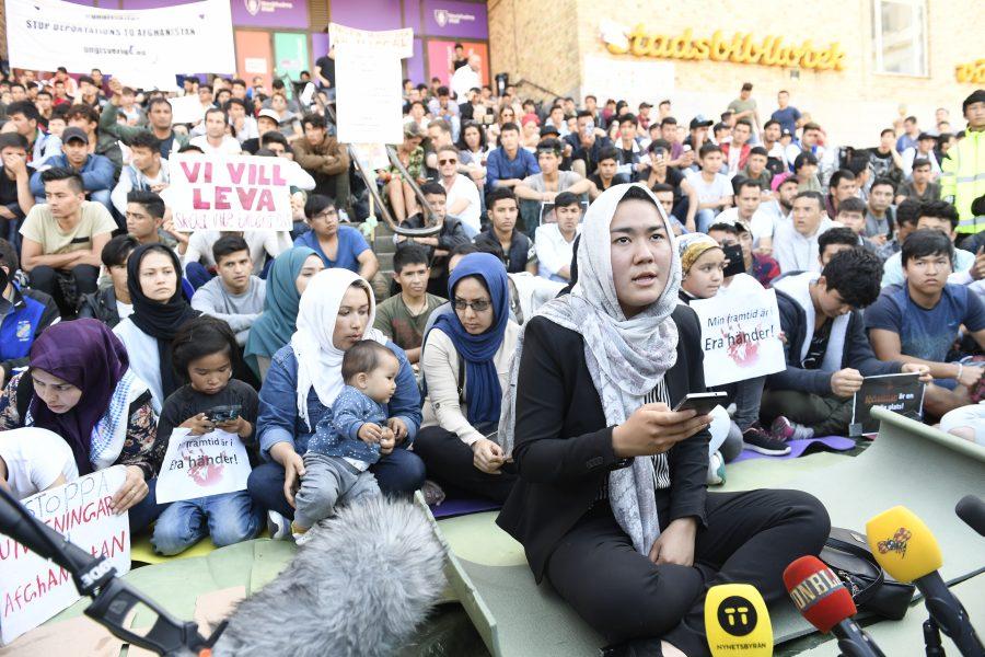 Johan Nilsson/TT  Fatemeh Khavari på Medborgarplatsen i Stockholm där ensamkommande i höstas protesterade mot utvisningarna.
