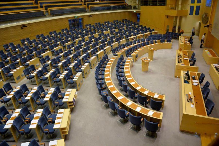 I mars månad fanns 39 partibeteckningar registrerade för val till riksdagen, enligt Valmyndigheten.