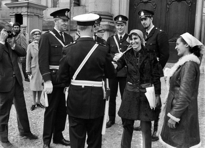 När författaren Katarina Taikon (1932–1995) var barn blev hon och hennes romska familj ständigt bortkörda av polisen.