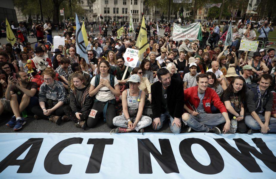 Protest vid Parliament Square i London.