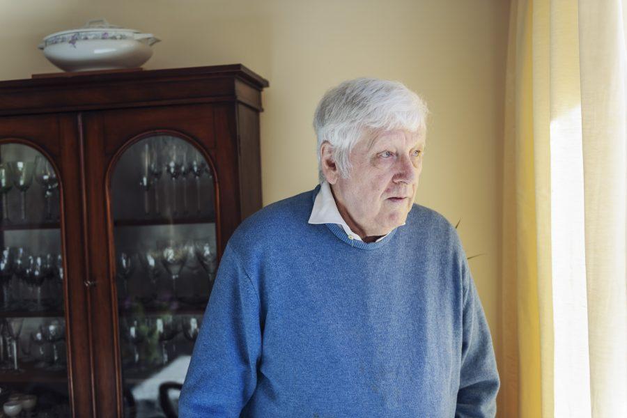 Tim Crosfield har bott i Sverige sedan 1971, men det var först när oroligheterna kring brexit tog fart som han ansökte om svenskt medborgarskap.