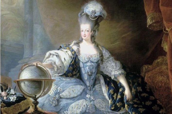 Marie Antoinette i sin kröningsdräkt 1775.