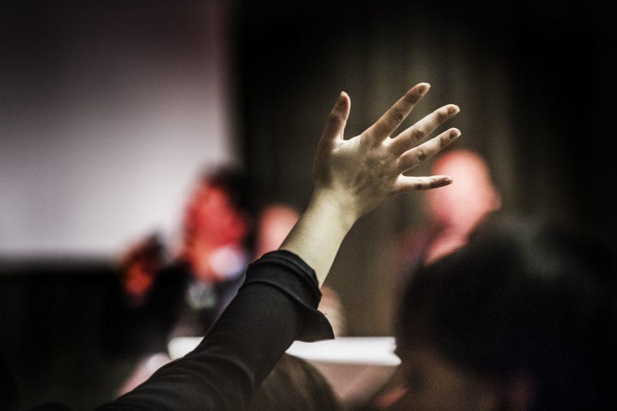 Tre personer kopplade till frikyrkoförsamlingen Knutby Filadelfia åtalas.