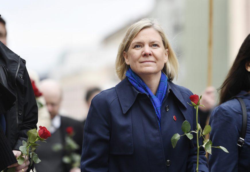 Finansminister Magdalena Andersson (S) i förstamajtåget i Sundbyberg.