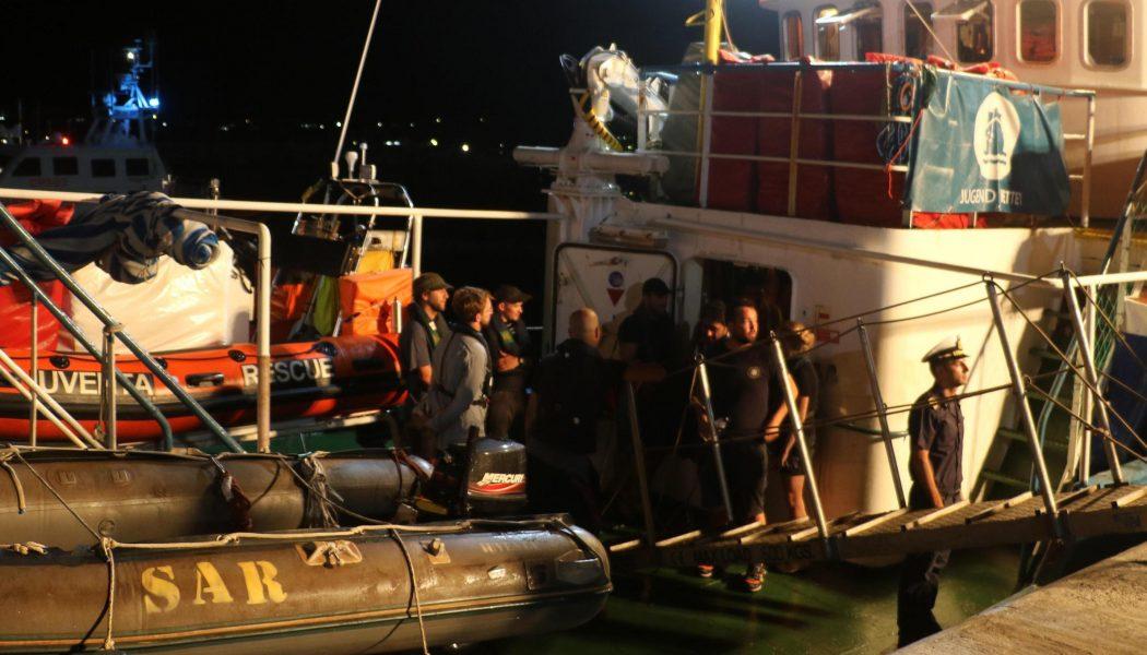 Iuventa på Sicilien i augusti 2017, precis efter att båten beslagtagits.
