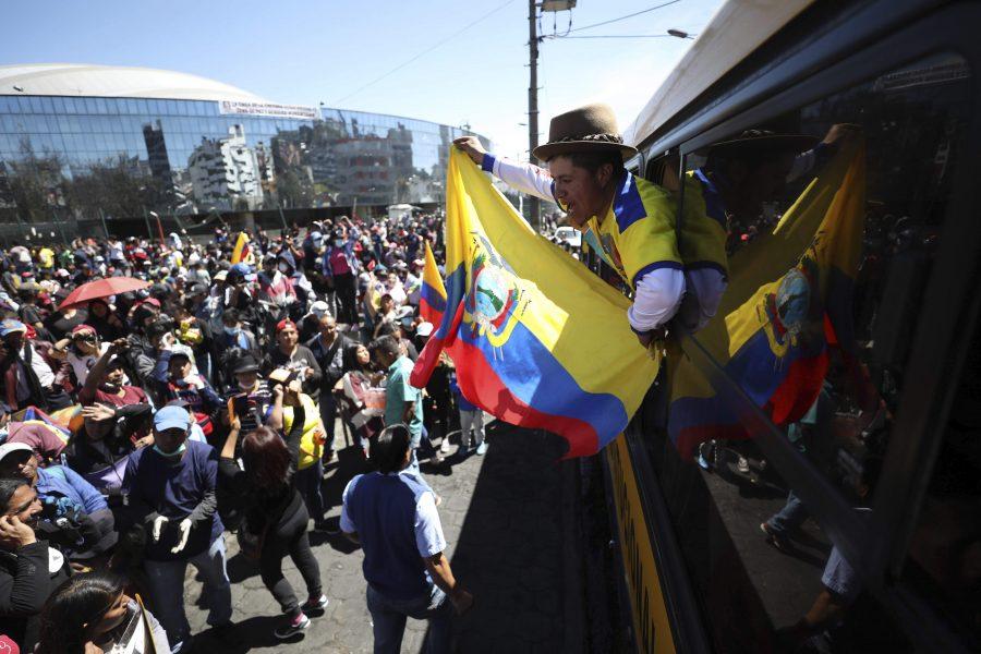 Demonstranter på väg att lämna Quito i Ecuador efter våldsamma protester tidigare i oktober.