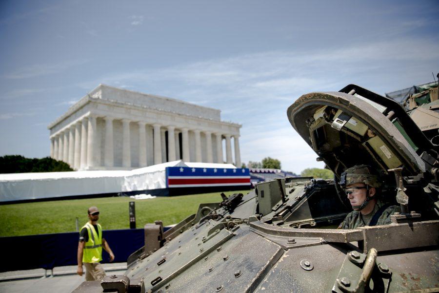 Amerikansk militär visar upp sig i Washington.