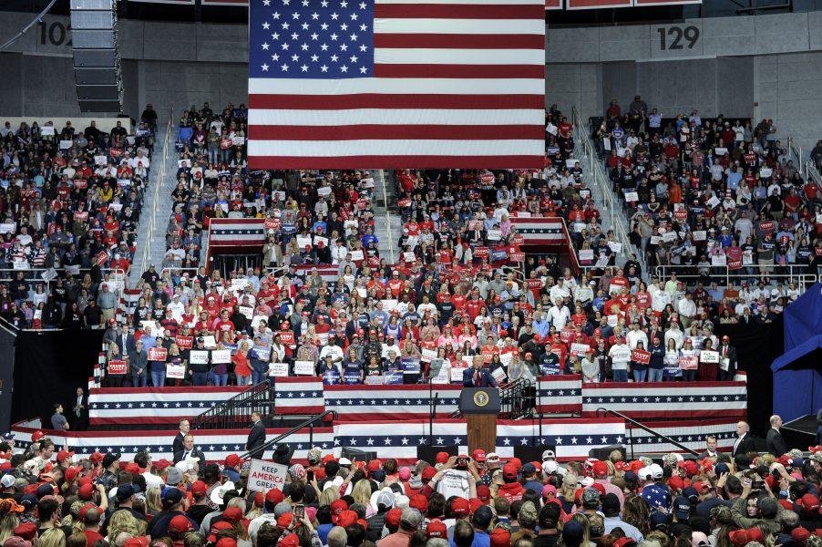 USA:s president Donald Trump under det senaste kampanjmassmötet i North Carolina den 2 mars.