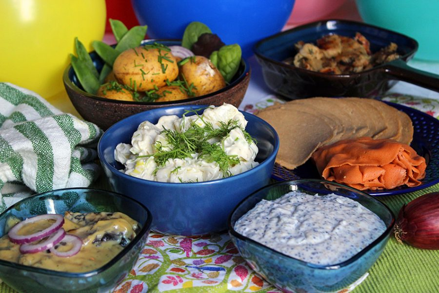 Syres midsommarbuffé består av en blandning av hemlagat och färdigköpt, precis som ett klassiskt midsommarbord.