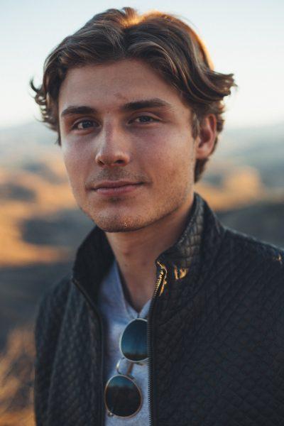 Jacob Dahlbeck bor i Los Angeles, där han studerar business administration/management vid University of Southern California sedan fyra år tillbaka.
