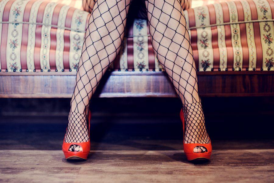 Enligt forskare är det bristande empati och en förvrängd kvinnosyn som gör att en av tio män köper sex, sägerReal stars Malin Roux Johansson.
