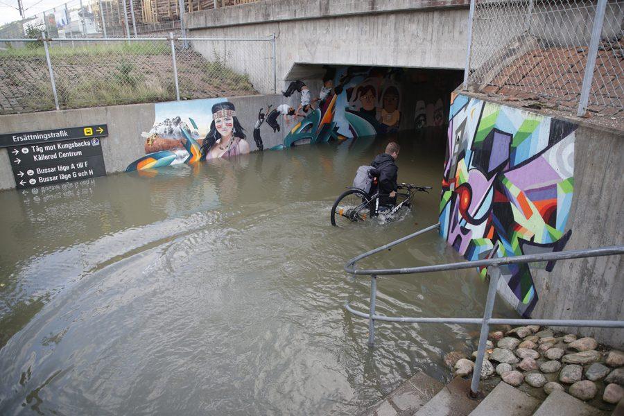 """Översvämningar brukar kallas """"naturkatastrofer""""."""