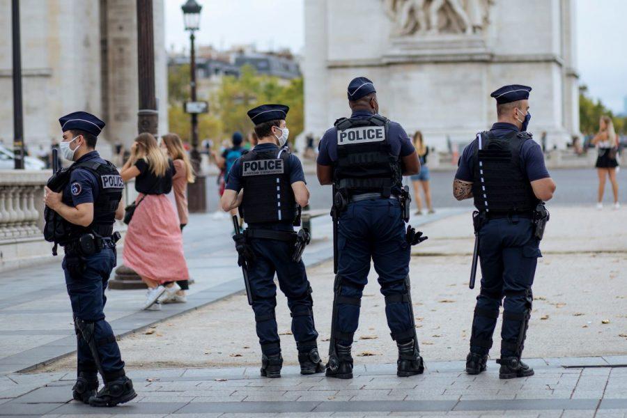Inom den franska poliskåren finns både rasism, övervåld och en alltmer utbredd mental ohälsa, enligt Gendrot.