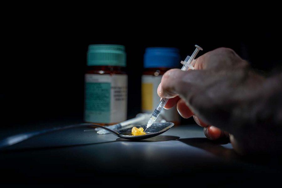 Färre unga dör nu av narkotika än tidigare. Foto: Michael Longmire / Unsplash