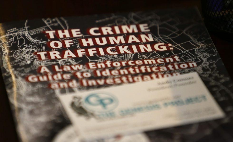 """Bakom manifestationen med fokus på """"att stoppakommersiell, sexuell exploatering""""står Me to Sweden och antitraffickingorganisationerna Realstars och Child 10."""