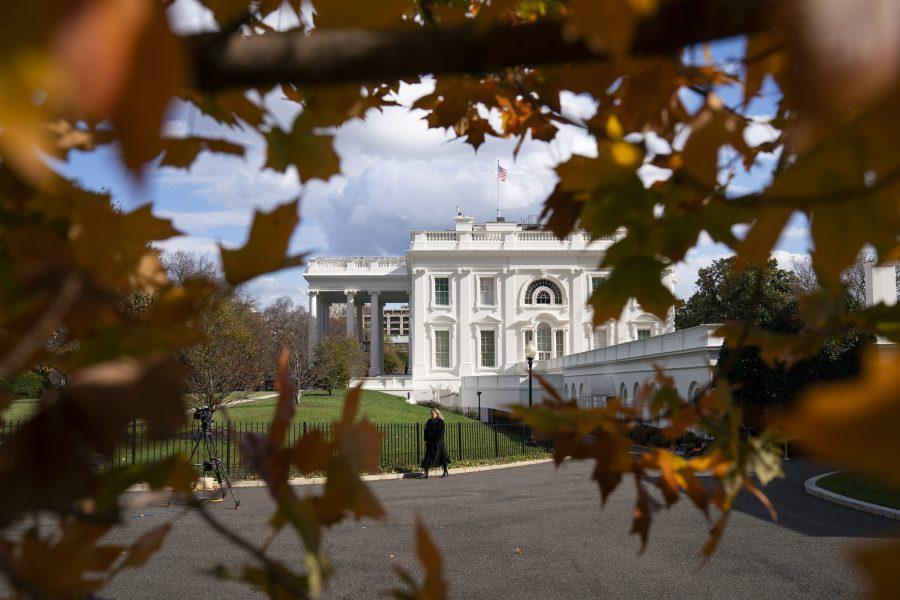 Maktskifte väntar i Vita huset i Washington DC– men vägen är ovanligt turbulent.