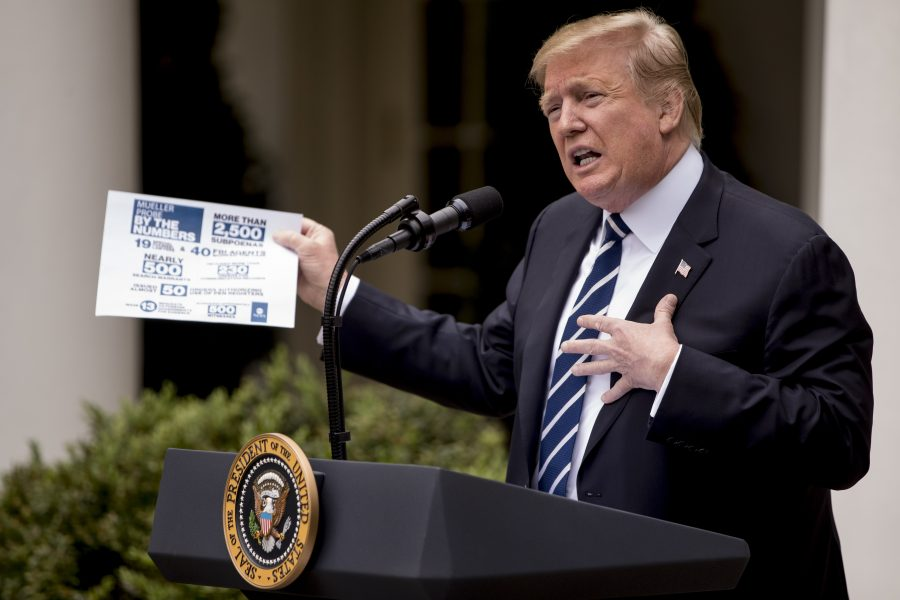 USA:s president Donald Trump har ett särskilt sätt att twittra när han blir ansatt i medier, enligt en ny studie.