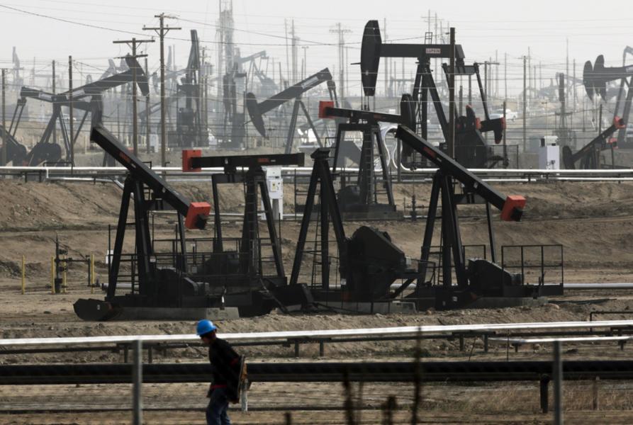 Ett nytt övervakningsprogram ska minska fossilindustrins läckage av metan med 60–75 procent till år 2030.