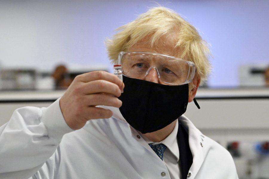 Storbritannien har godkänt Astra Zenecas vaccin mot coronaviruset.