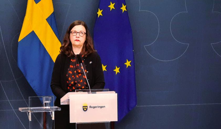 Utbildningsminister Anna Ekström (S) meddelar att de nationella proven ställs in under kommande vårtermin.
