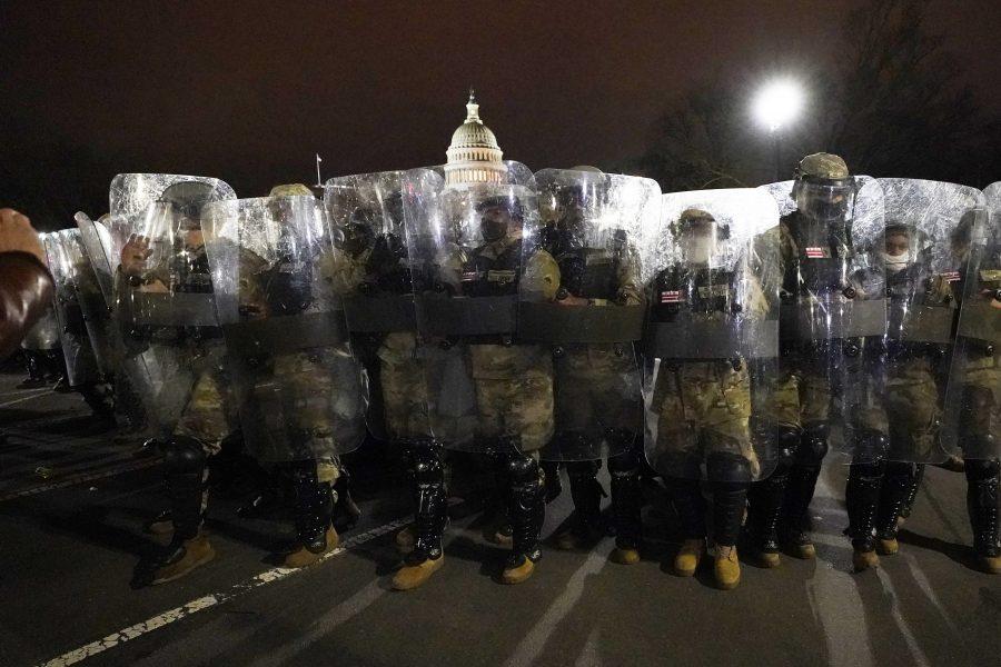 Först närmare sex timmar efter stormningen av kongressen sattes nationalgardet in– trots att kongressbyggnadens polischef vid sex tillfällen förgäves vädjat om att det skulle ske.
