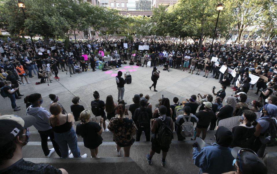 En manifestation i centrala Durham i North Carolina efter dödandet av George Floyd.