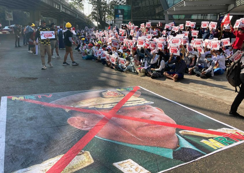 Protesterna fortsätter i Myanmar.