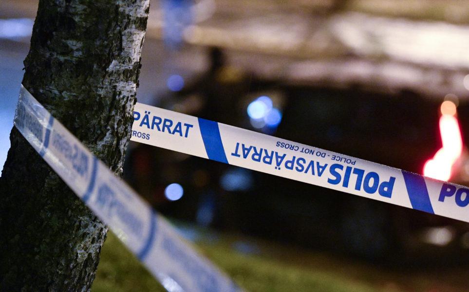 Polisavspärrning efter att en man sköts i Rosengård i Malmö på nyårsafton 2020.
