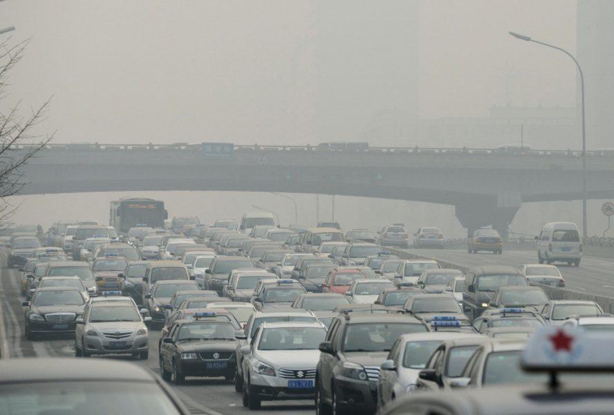 Världens länder måste öka ambitionsnivån radikalt för att klara klimatmålen till 2050, rapporterar FN:s klimatsekretariat UNFCCC.