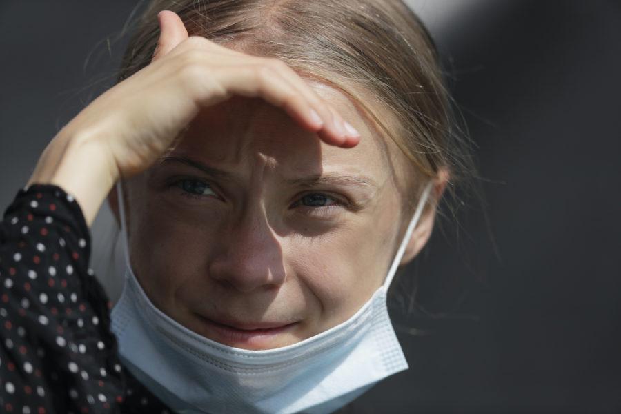 Greta Thunberg skänker en miljon kronor till initiativet Covax.