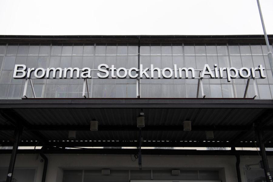 Regeringen vill avveckla omstridda Bromma flygplats.