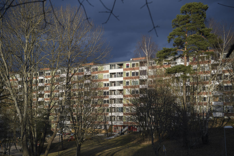 """Det räcker inte att ha fri hyressättning för nyproducerade lägenheter, anser Moderaterna som vill att hyrorna släpps fria gradvis i """"stora delar"""" av beståndet."""