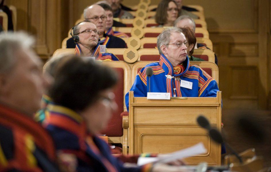 Per Mikael Utsi, ledamot i Sametinget som avgick från sitt uppdrag som valnämndens ordförande tidigare i år, under Sametingets plenum i riksdagshuset i Stockholm 2008.