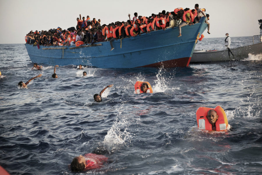 Ett argument från den danska S-regeringen för att upprätta ett asylcenter i ett tredje land utanför Europa är att migranter inte ska företa sig den livsfarliga båtfärden över Medelhavet.