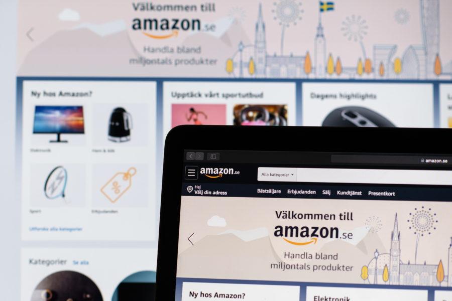 Amazon har tagit bort varor med hakkors från sin svenska sajt.