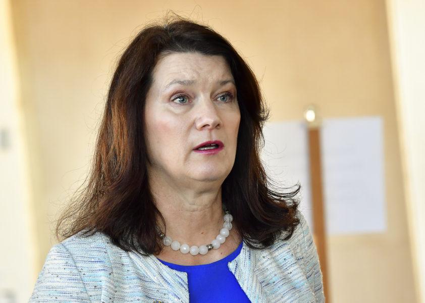 Utrikesminister Ann Linde (S) säger att åtgärder måste vidtas för att få en nedtrappning av våldet.