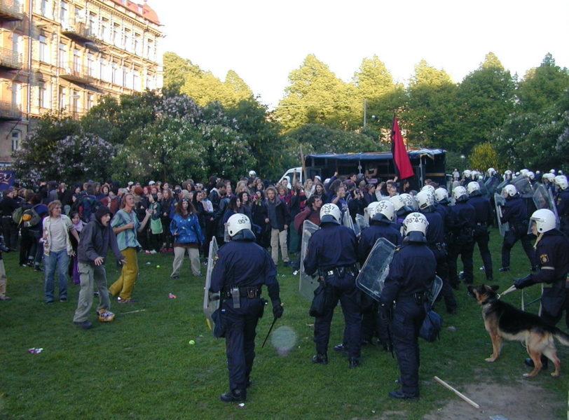 Polisen angrep mot en Reclaim the streets-fest där Hannes Westberg närvarade.