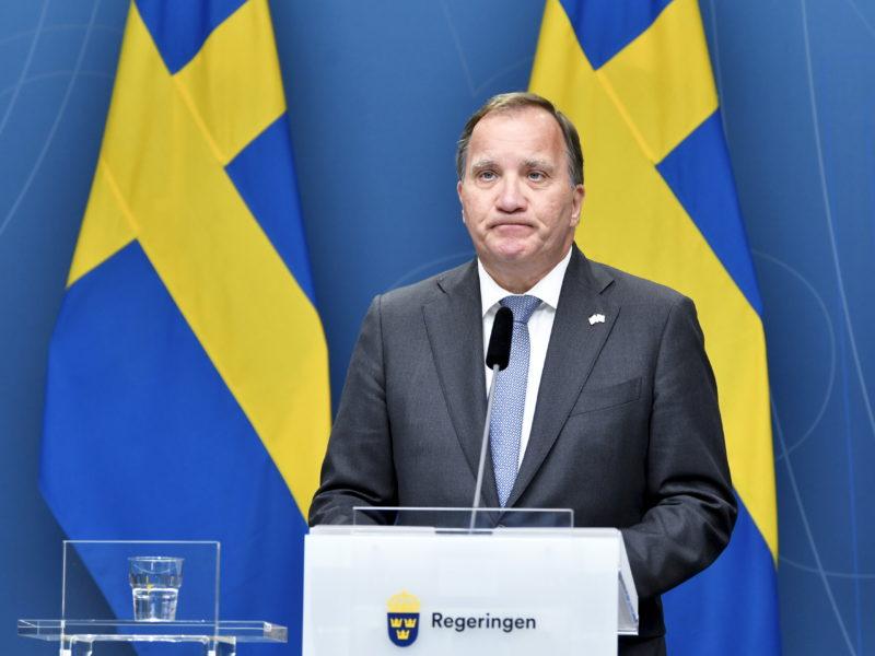 Statsminister Stefan Löfven (S) står inför svåra val.