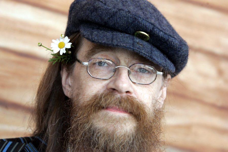 Peps Persson i samband med en pressträff inför Allsång på Skansen.