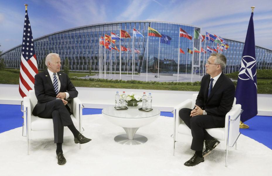 USA:s president Joe Biden samtalar med Natos generalsekreterare Jens Stoltenberg inför måndagens Nato-toppmöte i Bryssel.