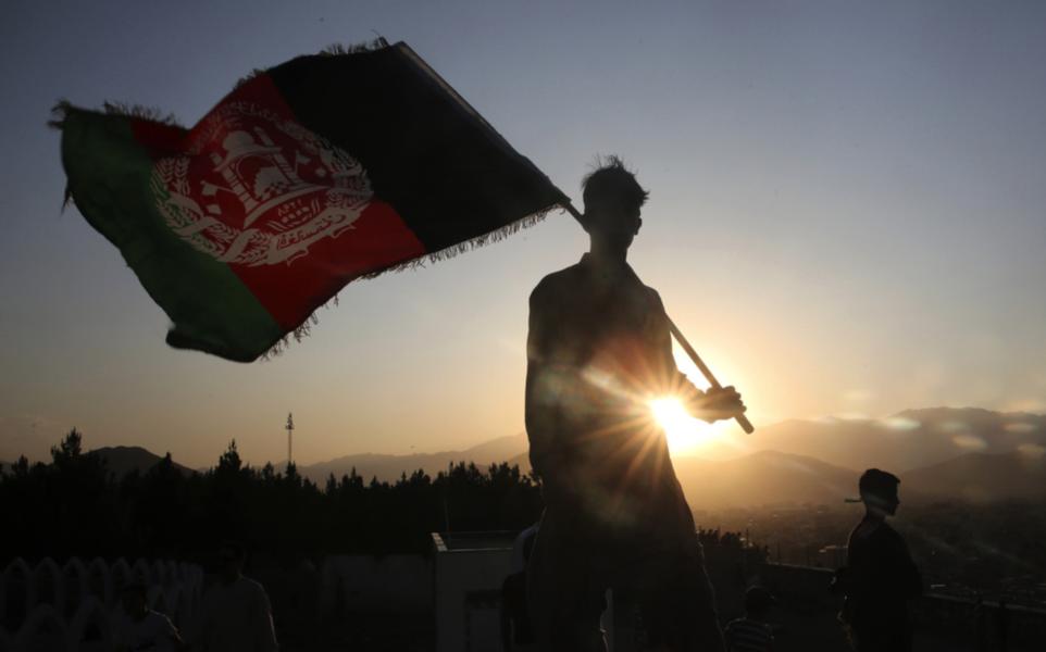 Talibanerna har trappat upp sina attacker i anslutning till att USA och Storbritannien avslutar sina militära insatser i Afghanistan.