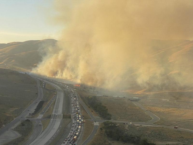 Bränderna drabbar västliga delar av både Kanada och USA.