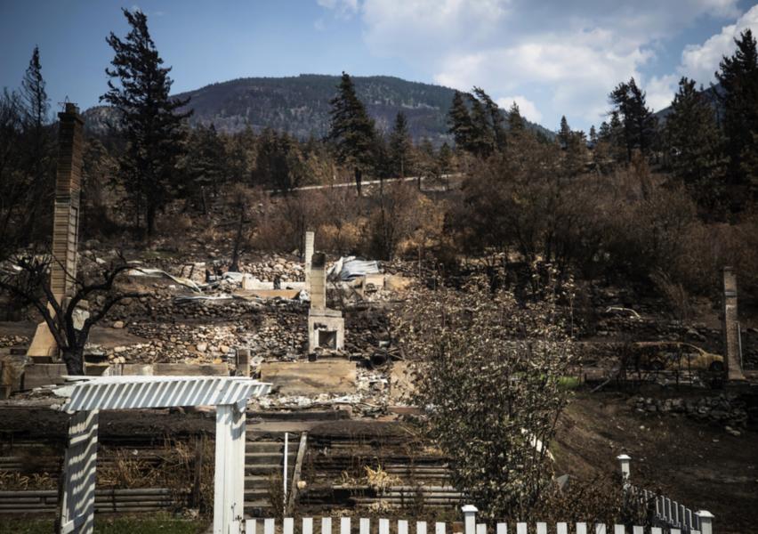 Skogsbränder förstörde det mesta av byn Lytton i British Columbia förra veckan.