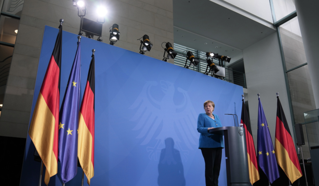 Förbundskansler Angela Merkel meddelar sitt stöd till länder på Balkan som vill in i EU efter ett möte.