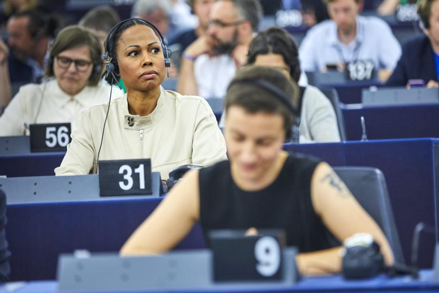 """""""Vi ska straffa, inte belöna auktoritära ledare i EU som inte tillgodoser sina medborgares rättigheter"""", säger Alice Bah Kuhnke (MP)."""