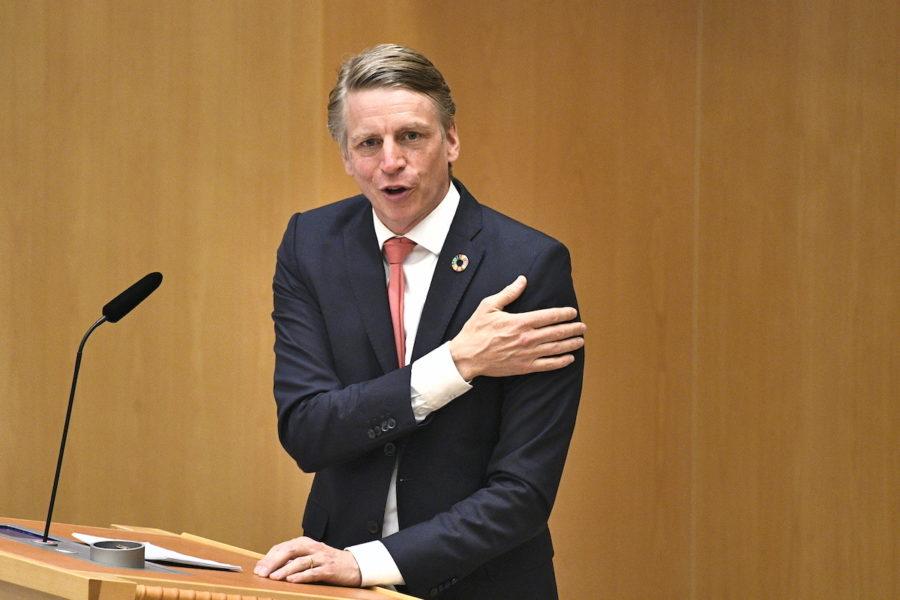 Miljöpartiets språkrör Per Bolund tror sig kunna komma överens med Centerpartiet om skogen och strandskyddet.