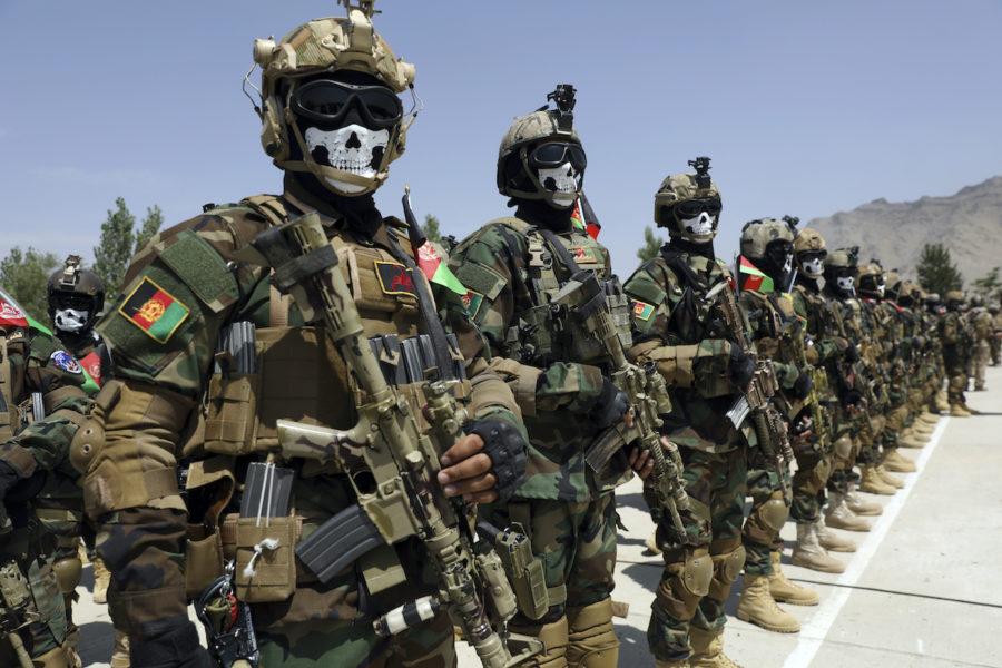 Den amerikanska vapenindustrin har tjänat på de långa insatserna i Afghanistan och skattebetalarnas pengar har gått till vapenindustrin.
