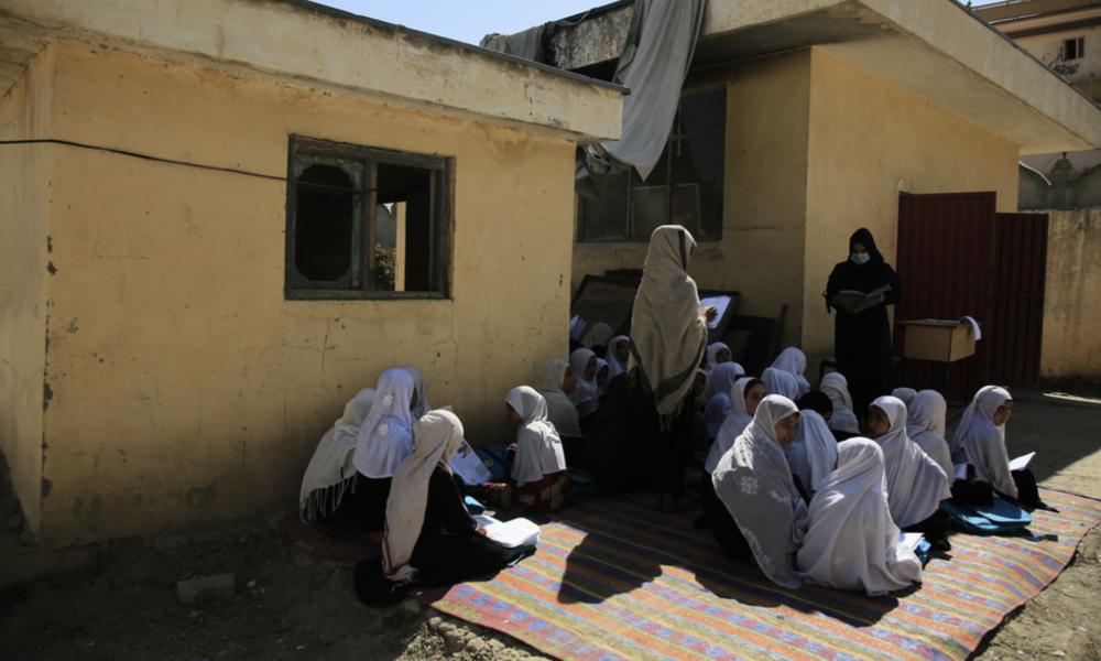 Resultaten av svenskt bistånd i Afghanistan bedöms som svaga, men insatser för utbildning har fungerat bättre än andra typer av insatser, visar en ny rapport.